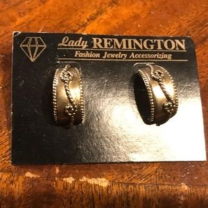 Vintage lady Remington earrings Original packaging